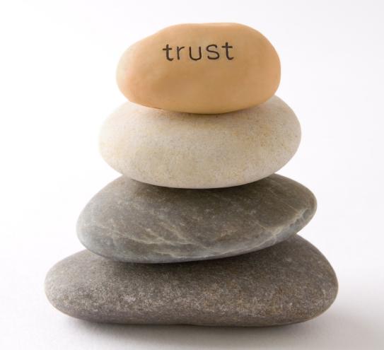 trust-stones alikhademoreza.irبازاریابی مبتنی بر اعتماد چیزی بیش از صرف هزینه آگهی است که شعار بدهد به ما اعتماد کنید بلکه رویکردی است که رابطه بین شرکت و مشتــــریانش را تعمیق می بخشد