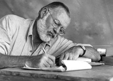 نویسندگان بزرگ چگونه عرق می ریزند | عادت های منظم روزانه موفق ترین و مشهور ترین انسانها چگونه است | علی خادم الرضا مدرس و مشاور کارآفرینی و توسعه کسب و کار